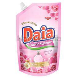 Daia Fabric Softener Pouch Blooming Garden 900ml